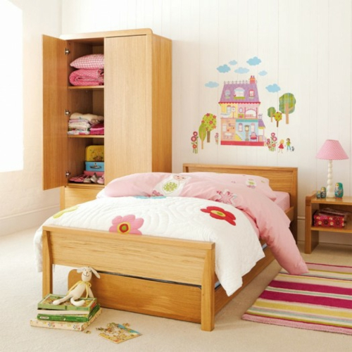 10 sch ne wandtattoos ideen f r ein niedliches m dchen kinderzimmer. Black Bedroom Furniture Sets. Home Design Ideas