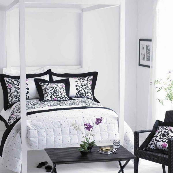wei en stuhl schlafzimmer m belideen. Black Bedroom Furniture Sets. Home Design Ideas