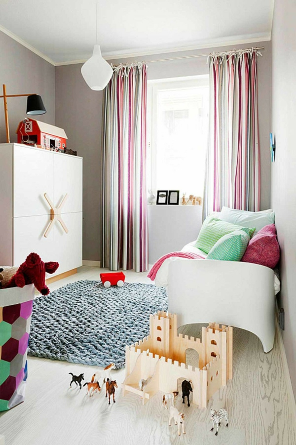 gardinen f rs kinderzimmer ideen wie sie das kinderzimmer. Black Bedroom Furniture Sets. Home Design Ideas