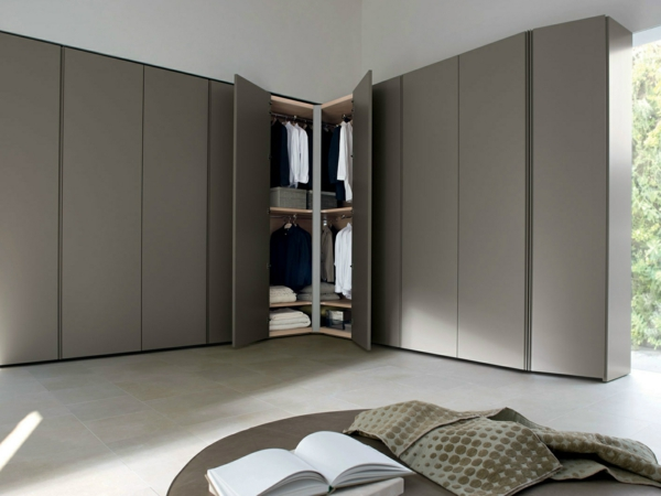 eckschr nke innerhalb toller innendesigngestaltungen. Black Bedroom Furniture Sets. Home Design Ideas