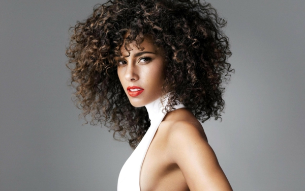 alicia keys lockiges haar