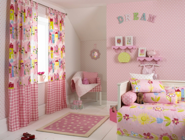 kindergardinen f rdern die kinderfantasie ideen und beispiele. Black Bedroom Furniture Sets. Home Design Ideas