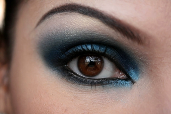 braune augen schminken make up tutorial smokey eyes f r braune augen youtube pics photos augen. Black Bedroom Furniture Sets. Home Design Ideas