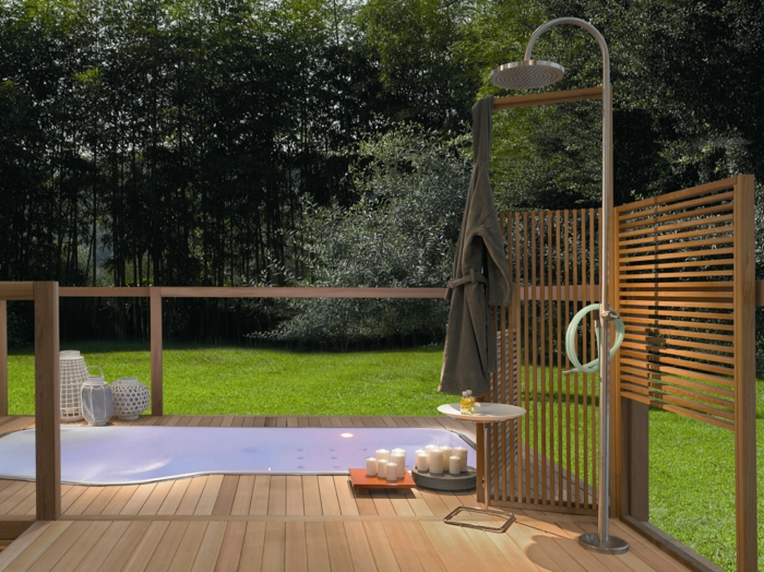 gartendusche sichtschutz ideen f r die outdoor dusche gesucht. Black Bedroom Furniture Sets. Home Design Ideas