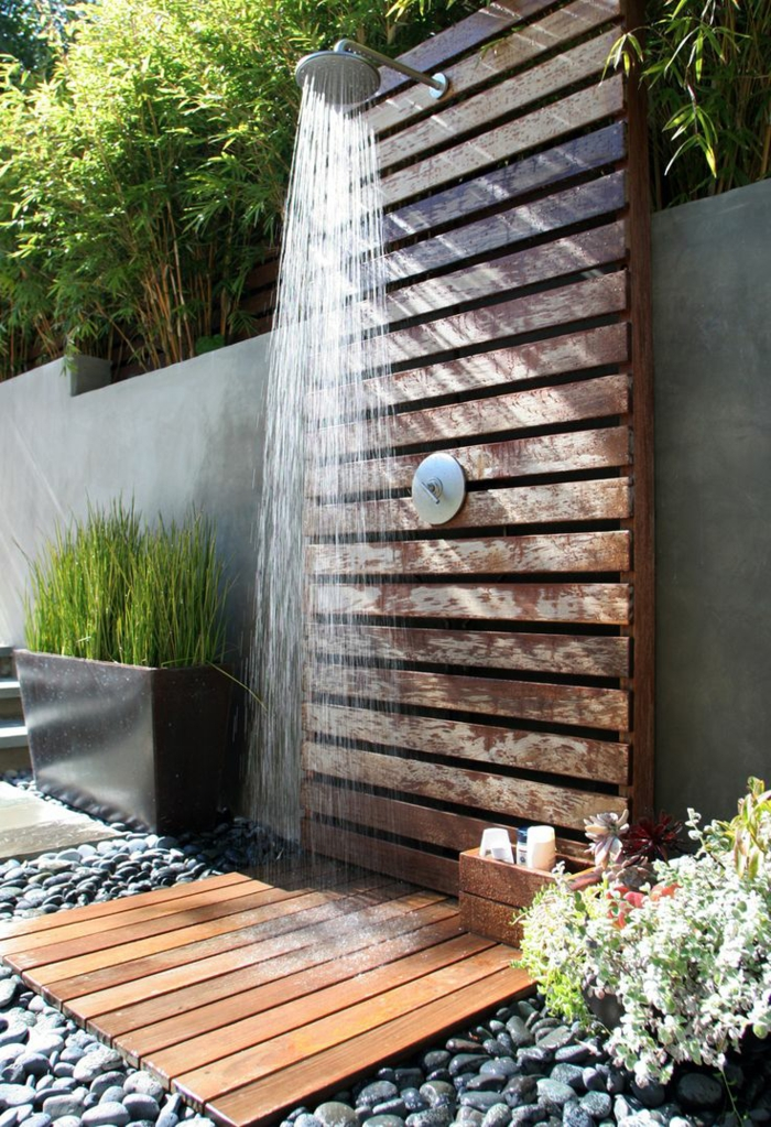 Outdoor Dusche Balkon : Modern Wood Outdoor Shower