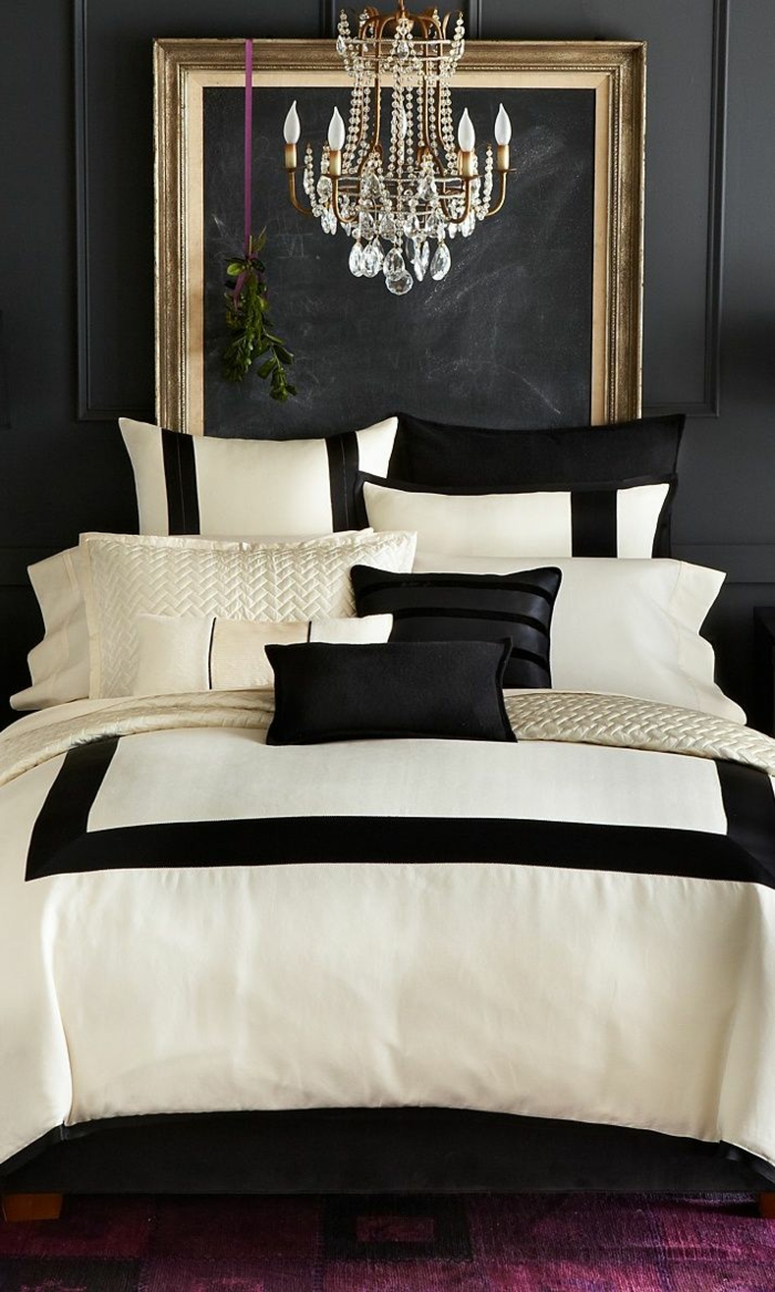 luxus bettw sche aus der n he betrachten. Black Bedroom Furniture Sets. Home Design Ideas