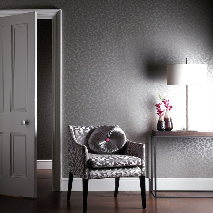 edle tapeten mit schimmerndem metallic glanz. Black Bedroom Furniture Sets. Home Design Ideas