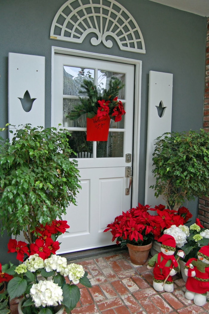 Apartment Front Door Christmas Decorating Ideas