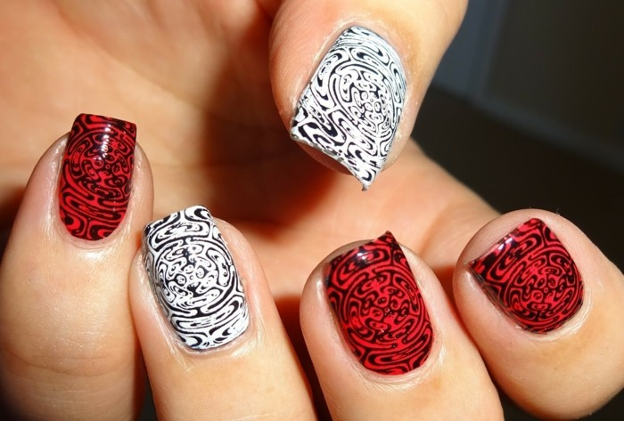 nageldesigns in rot weiß