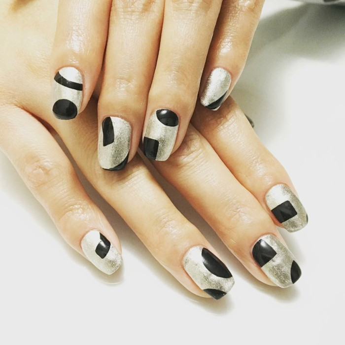 nageldesigns asymmetrische dekorationen neue trends