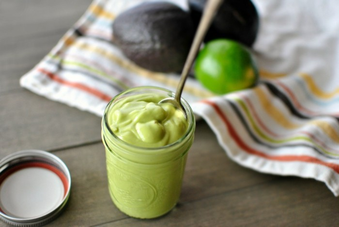 creamiges avocado dressing für salate