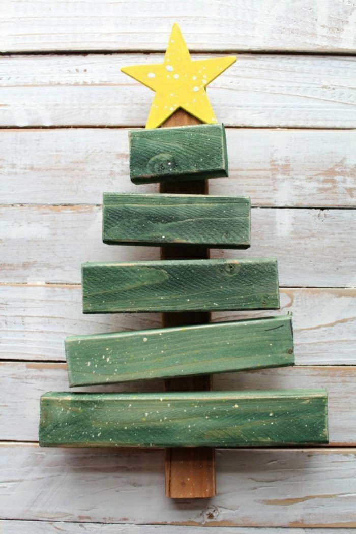 Christmas Crafts Made From Wooden Pallets