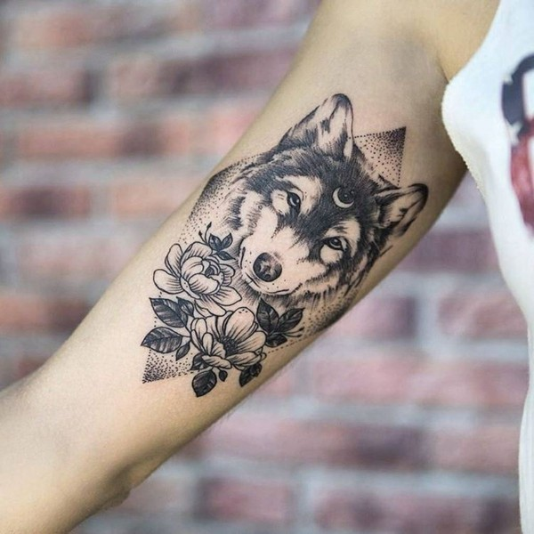 Tattoo Woman Photo: Wolf Tattoo Bedeutung Und Symbolik