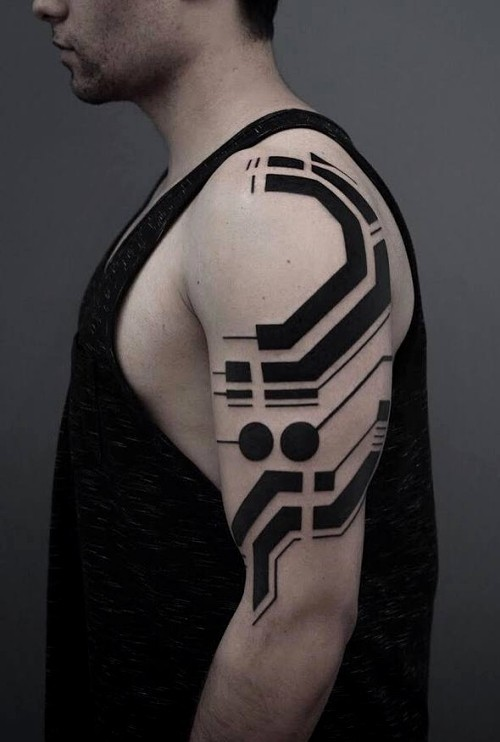 Biomechanik Tattoo cyber punk
